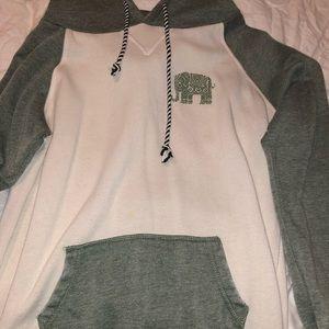 Zumiez sweater with hoodie